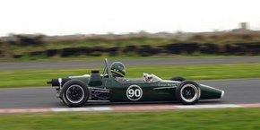 Classic racing shool