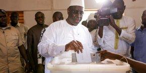 Le président de la République Macky Sall a voté en fin de matinée à Fatick (ouest), sa ville natale.