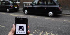 Uber est critiqué à Londres par les syndicats, des parlementaires et les conducteurs de taxis traditionnels.