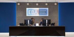 L'Autorité bancaire européenne (ABE ou EBA en anglais) emploie 190 personnes dans la tour One Canada Square du quartier d'affaires Canary Wharf à Londres.