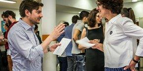 Ici à gauche, Bastien Ingweiller est CEO du startup studio JVF Agency.