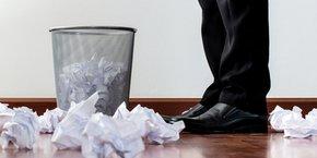 Malgré une baisse, l'usage de papiers reste encore trop fréquent dans les entreprises françaises
