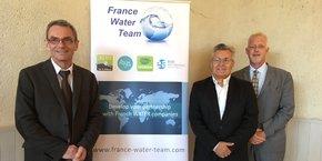Éric Servat et Benoît Gillmann, vice-présidents de Aqua-Valley, et Yvan Kedaj, directeur général adjoint (de gauche à droite).