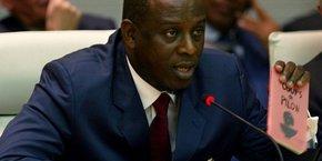 En novembre 2017, l'ancien ministre des Affaires étrangères, Cheikh Tidiane Gadio, est arrêté à New York pour de supposées concessions pétrolières obtenues au profit d'une entreprise chinoise en échange de pots-de-vin en Ouganda et au Tchad.
