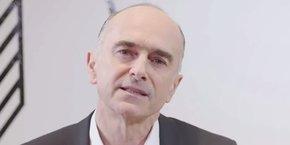 Jean-Pierre Denis, le président du Crédit Mutuel de Bretagne et du Crédit Mutuel Arkéa, a décidé d'engager le groupe bancaire mutualiste dans la voie de l'indépendance, après avoir défendu depuis plus de deux ans son autonomie face à l'organe central.