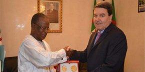 Ousmane Diao Baldé qui a quitté Alger sur la pointe des pieds devrait continuer à porter la voix de Conakry en Tunisie, pays que son affectation couvrait également.