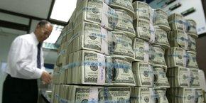 Aux États-Unis, la dette totale (publique et privée) devrait atteindre 80.000 milliards de dollars en fin d'année, soit quelque 9.000 milliards de plus qu'à fin 2019.