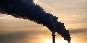 En 2015, près de 200 nations se sont engagées à Paris à limiter la hausse de la température moyenne mondiale nettement en dessous de 2°C par rapport à l'époque pré-industrielle, tout en poursuivant leurs efforts pour être le plus près possible de 1,5°C.