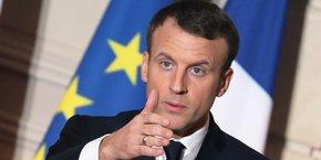 Emmanuel Macron refuse pour l'heure l'automaticité de la nomination de la Commission européenne, procédure qui laisse de fait aux grandes familles politiques européennes le choix des différents candidats. Dès septembre, le président français avait prévenu qu'il ne laisserait pas le monopole du débat sur l'Europe et les élections européennes aux grands partis politiques.