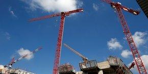 Mises en chantier de logements et permis de construire poursuivent leur baisse