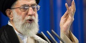 Khamenei: l'iran n'a pas a s'inquieter