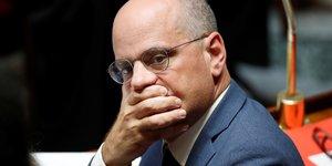 Blanquer annonce la suppression de 1.800 postes dans l'education nationale