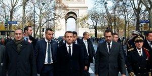 Macron demande a philippe de voir manifestants et chefs de partis