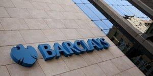 Barclays transfere a paris des postes dans les derives
