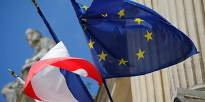 Le climat et le commerce interessent paris a la commission europeenne, selon une source