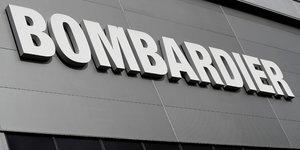 Bombardier, en perte au 2e trimestre, abaisse ses previsions