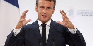 Macron entend poursuivre sur la voie du grand debat