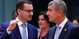 Le Premier ministre tchèque à droite, Andrej Babis, et le Premier ministre polonais à gauche, Mateusz Morawiecki
