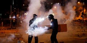 Nouveaux incidents et manifestation pro-chinoise a hong kong