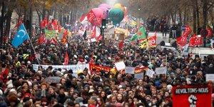 Manifestation contre la réforme des retraites à Paris, le 5 décembre 2019