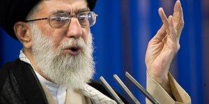 L'iran pret negocier, mais pas avec les etats-unis, reaffirme khamenei