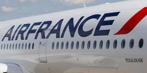 Les personnels d'air france demandent la suspension des vols de la compagnie vers la chine