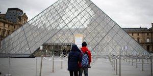 Le coronavirus pourrait faire perdre 40 milliards d'euros au tourisme