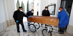 Coronavirus: le nombre de nouveaux cas baisse nettement en italie