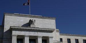La fed offre un nouvel acces au dollar aux banques centrales etrangeres