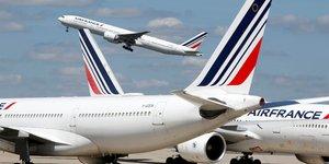 Air france: les pilotes mettent en garde contre la restructuration du court-courrier