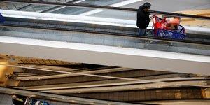 Reprise tres nette en mai, contraction de 17% du pib en vue au deuxieme trimestre