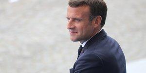 Macron annonce exoneration de charges et contrats d'insertion pour les jeunes