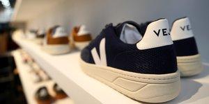 Textile : chaussures véganes de la marque française de baskets écologiques et issues du commerce équitable Veja
