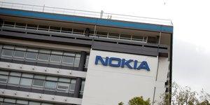 Nokia grimpe en bourse apres une hausse surprise du benefice au deuxieme trimestre