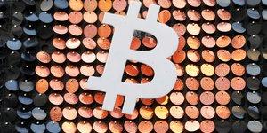 Le bitcoin depasse 50.000 dollars pour la premiere fois