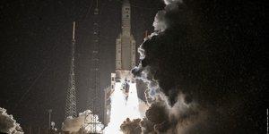 SES ministère des Armées Ariane 5 Arianespace