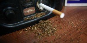 Du tabac à rouler pour le tuber dans une cigarette ensuite
