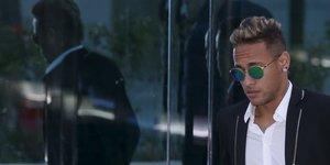 Neymar inculpe d'evasion fiscale au bresil