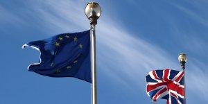 Les britanniques favorables au brexit en tete dans un sondage