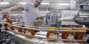 Famille michaud apiculteurs, premier producteur mondial de miel
