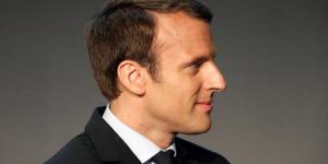 Macron pret a modifier la part de l'etat au capital d'orange