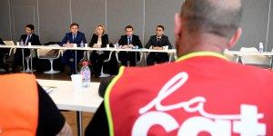 Macron denonce une utilisation de whirlpool par le pen