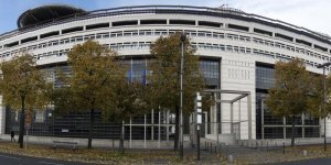 Le fisc condamne a payer 315 millions d'euros a bercy