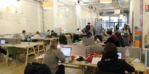 Comment repenser le travail aujourd'hui ? Un espace de coworking situé dans le quartier de Bastille, à Paris.