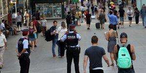 Le chauffeur de la fourgonnette de barcelone toujours recherche