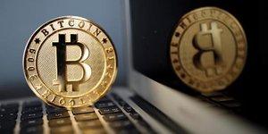 Le bitcoin recule apres l'interdiction des icos par pekin