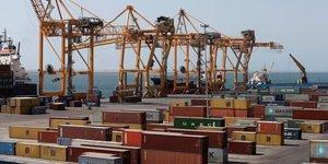 Le trafic de conteneurs profite de la croissance des echanges