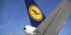 Lufthansa, compagnie aérienne, ciel, avion de ligne,
