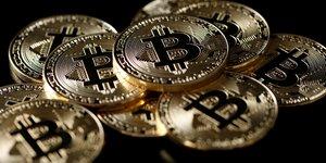 Le bitcoin chute, l'etau de la reglementation se resserre