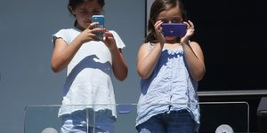 addiction smartphone enfant
